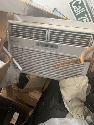 Frigidaire Window AC Unit for Sale in Suffolk, VA