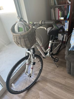 TREK White Bike for Sale in Miami, FL
