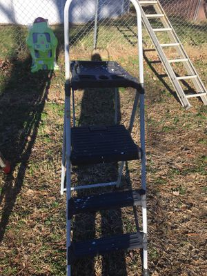 3foot step ladder for Sale in Ashland City, TN