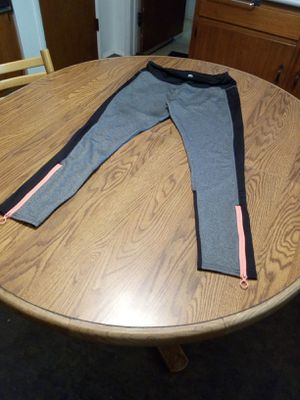 Women bicycle pants size large for Sale in Vista, CA