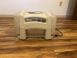 Vornado dual jug filter evaporator type humidifier for Sale in Bothell, WA