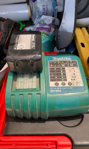 MAKITA DC18RA battery charger plus 18v Battery no-mh & li-ion 7.2-18v for Sale in Downey, CA