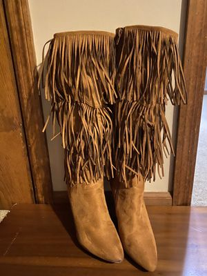 Paparazzi suede fringed boots for Sale in Pequannock Township, NJ