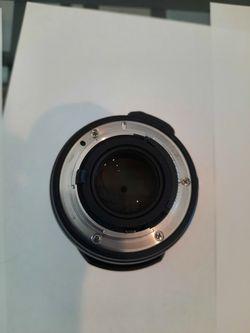 Nikon 35mm 1.8 for Sale in Miami Beach,  FL