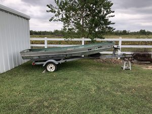 14 Foot Jon Boat with Tilt Trailer for Sale in Katy, TX
