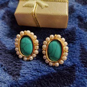 Stud earrings for Sale in Milford Mill, MD