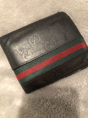 Authentic GUCCI wallet for Sale in South Gate, CA