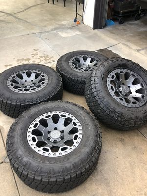 """Black Rhino Warlord Rims with 17"""" Nitto Grapplers G2 for Sale in Inglewood, CA"""