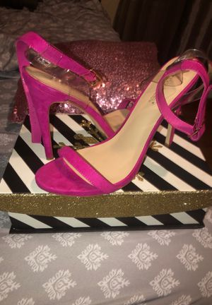 Pink Heels brand new for Sale in Lancaster, TX