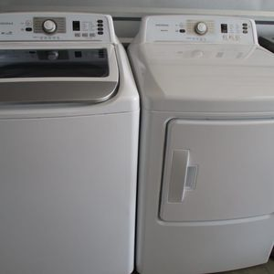 New insignia washer and insignia dryer high efficiency electric for Sale in Euless, TX