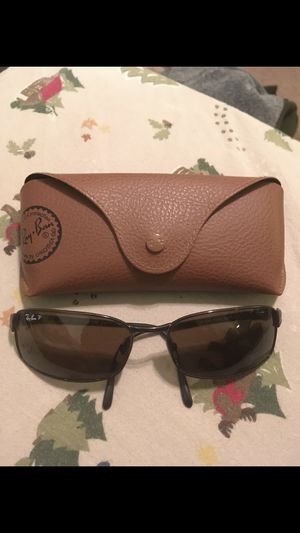 Real raybans sunglasses for Sale in Dallas, TX