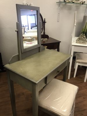 Gray vanity for Sale in Glendale, AZ