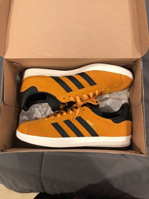 Adidas Gazelle size 10.5 for Sale in Los Angeles, CA