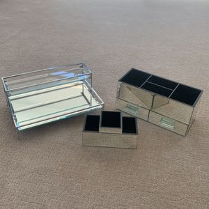 Mirrored Makeup Storage/ Vanity for Sale in Phoenix, AZ