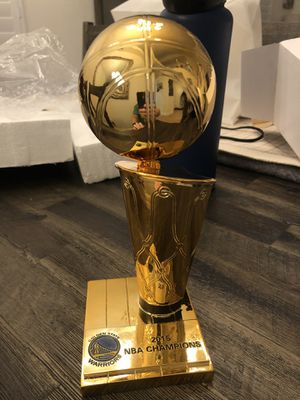 Golden State Warriors 2015 NBA Championship 9 inch Replica Larry O'Brien Trophy *PERFECT CONDITION * for Sale in Hayward, CA