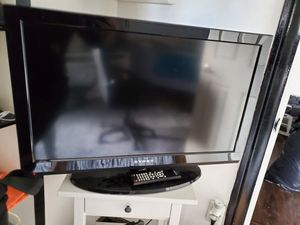 32 inch tv for Sale in Tacoma, WA