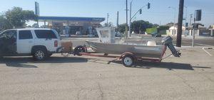 16ft aluminum fishing boat & permanent trailer 9/2021 reg. set up. Minn kota outboard motor. for Sale in La Habra, CA