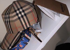 Burberry London Icon Stripe Hat for Sale in Pasadena, CA