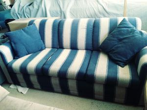7 foot couch with fold out Queen bed for Sale in Scottsdale, AZ