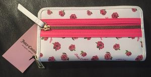Juicy Couture Disty Rose Wallet for Sale in Midlothian, VA