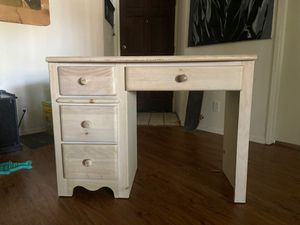 large desk with drawers for Sale in Pasadena, CA