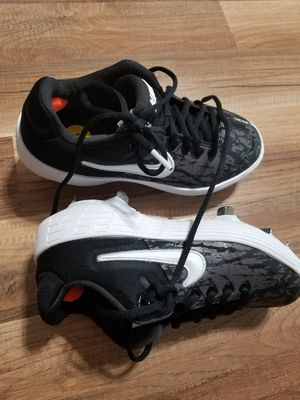 Nike Air Shoes Mud Style Size 5 US for Sale in Austin, TX