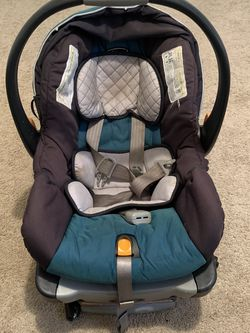 Chicco KeyFit 30 Infant Car Seat for Sale in Greenbelt,  MD