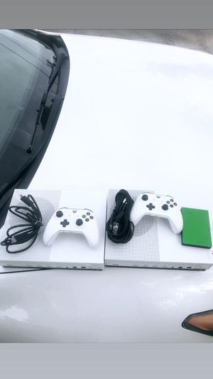 Xbox One S Great Condition 1 TB (One Left) for Sale in North Miami, FL
