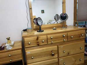 Dresser mirror for Sale in Chicago, IL