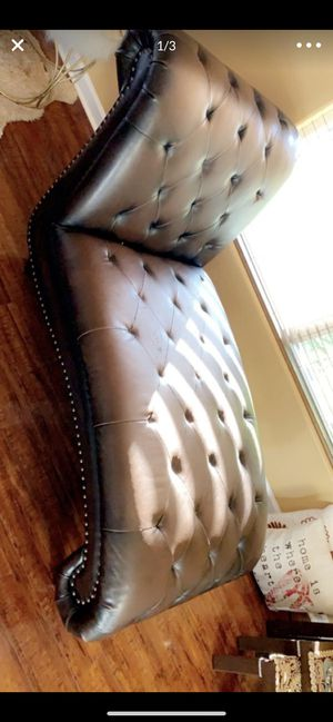 Luther sofa for Sale in Lexington, KY