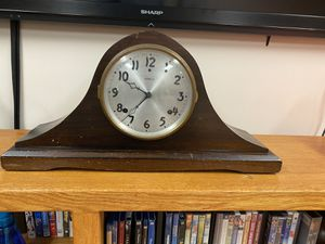 Antique Gilbert mantle clock. for Sale in Mendon, MA