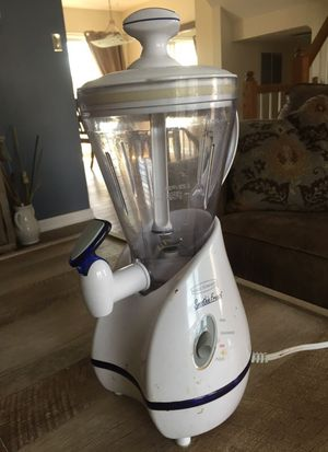 Smoothie maker/ blender for Sale in Parkville, MD