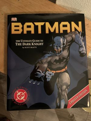 Batman the Dark Knight Official Guide **LikeNEW** for Sale in Seattle, WA