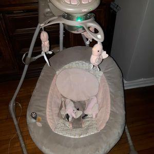 Ingenuity Dream Comfort Inlighten Crandling Baby Swing for Sale in Queens, NY
