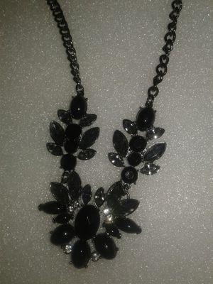 Necklace new for Sale in Miami Gardens, FL