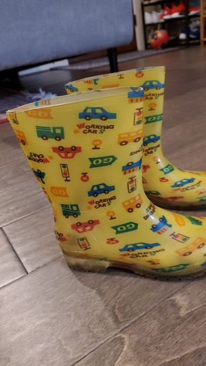Kids Rain boots cars size 9/10 used condition for Sale in Portland, OR