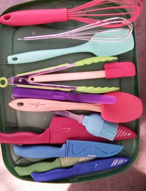 Assorted kitchen utensils for Sale in Smithville, MO