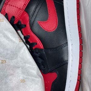 Reverse Bred Jordan 1 Mid Size 8.5 , 9 for Sale in Miami, FL