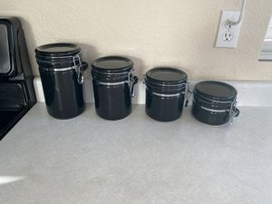 Set of 4 matching Gibson Home food storage containers for Sale in Chandler, AZ