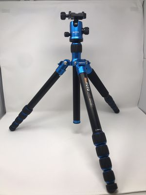 Tripod - MeFoto A2350 Globetrotter for Sale in Portland, OR