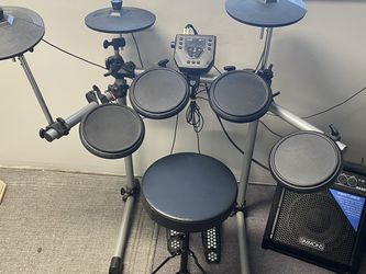Electric Drums W/ Speaker for Sale in Seattle,  WA