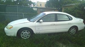 Car Ford Taurus 2003 for Sale in Miami, FL