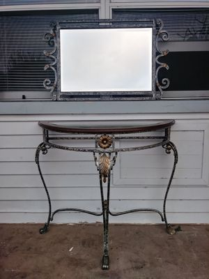 Gorgeous entry table with matching mirror! Can deliver! for Sale in Pompano Beach, FL