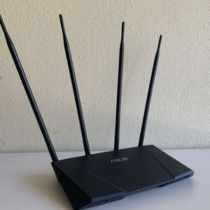 ASUS AC2400 Dual Band Gigabit Router for Sale in West Covina, CA