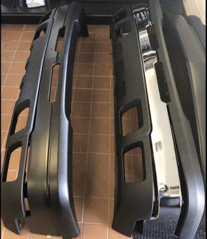 03-06 Silverado front bumper for Sale in Houston, TX
