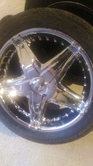 17 in Panther chrome rims for Sale in Washington, DC