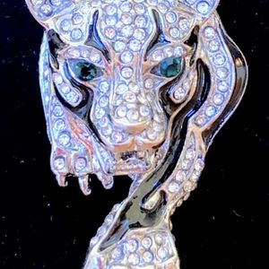 """FIERCESOME MEN'S STERLING SILVER INLAID AUSTRIAN RHINESTONE EMERALD TIGER PENDANT NECKLACE, 24"""" for Sale in Sparks, NV"""
