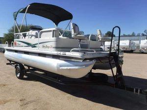 Pontoon Boat 2011 20 foot for Sale in Vernon, AZ