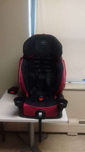 Evenflo car seat for Sale in Winthrop, MA