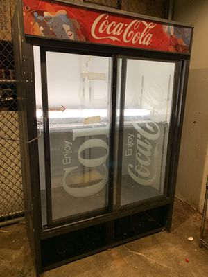 Big Coca-Cola fridge for Sale in Cleveland, OH